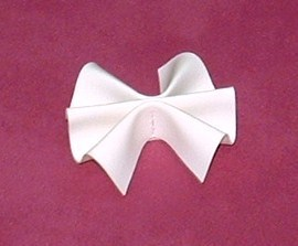 Leatherette bow satand
